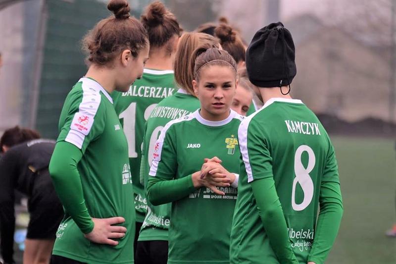 Piłkarki GKS Górnik Łęczna pokonały AZS UJ Kraków 2:1